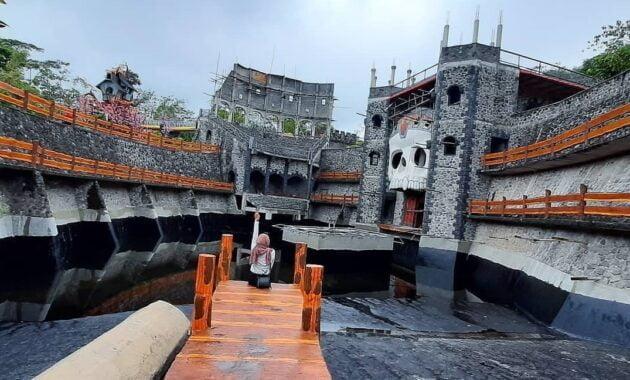 the lost world castle sleman buka kembali cek harga tiket